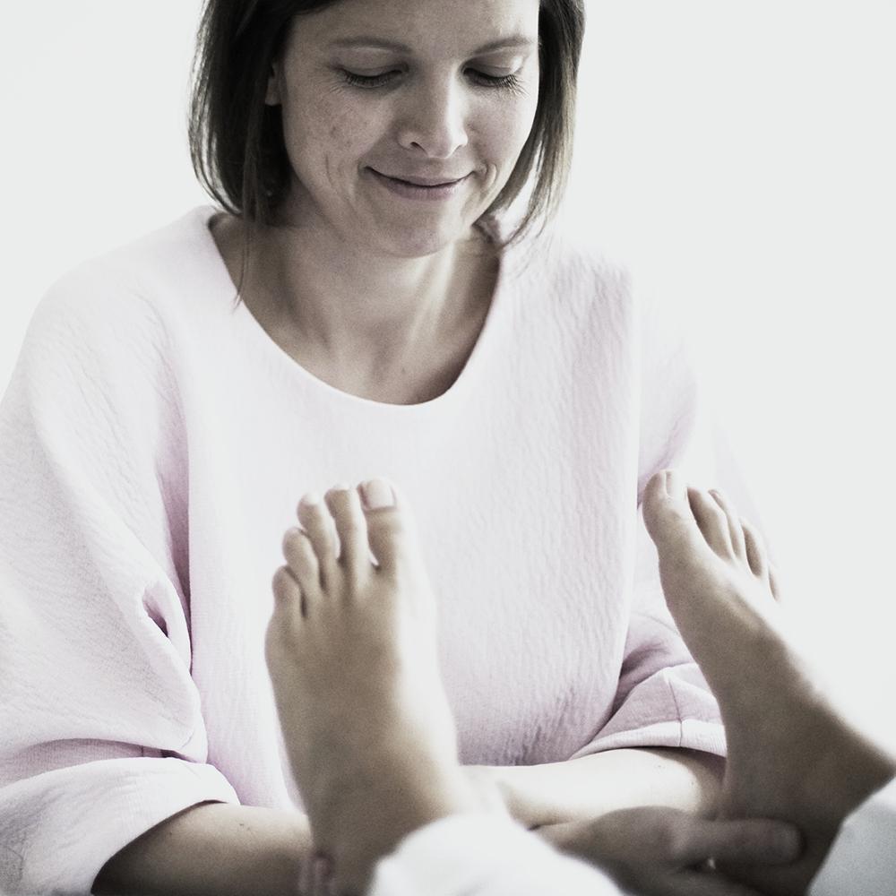 STUDIO ICH Yoga und Impuls-Strömen an den Füßen