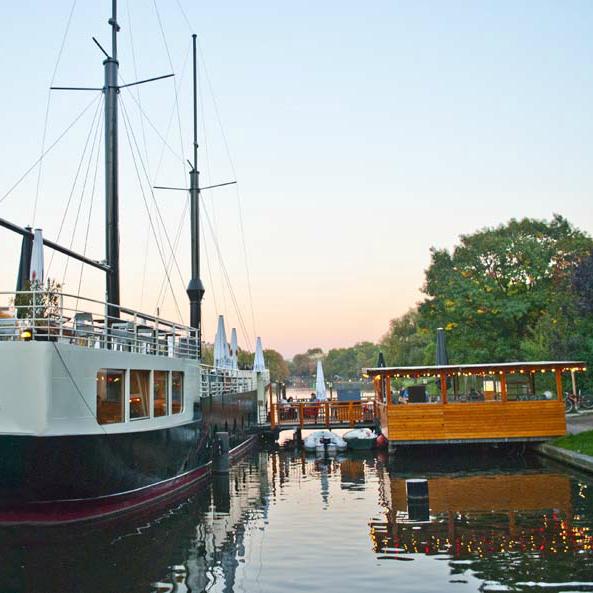 Van Loon Restaurantschiff Landwehrkanal Kreuzberg