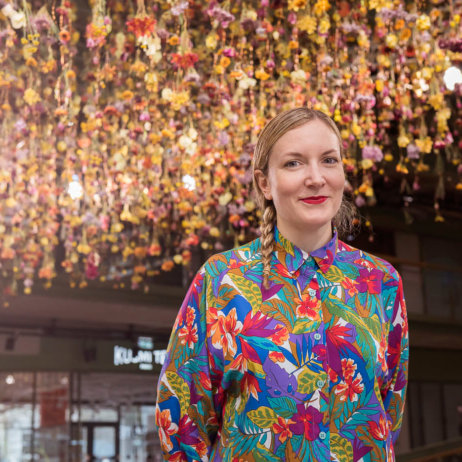 Bikini Berlin Rebecca Louise Law Installation Blumen