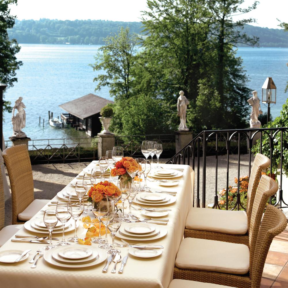 Hotel La Villa Starnberg Terrasse mit Seeblick