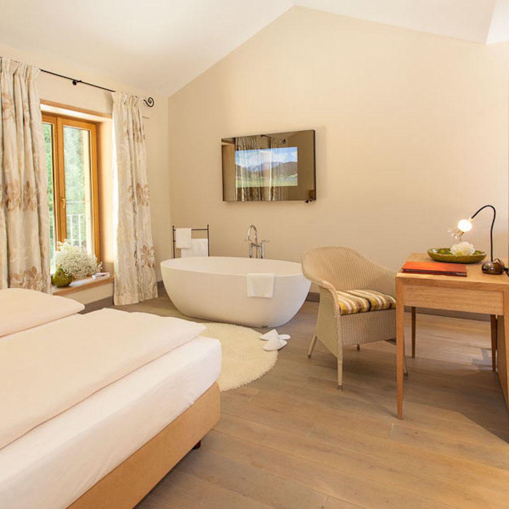 Hotel La Villa Starnberg Zimmer mit Badewanne