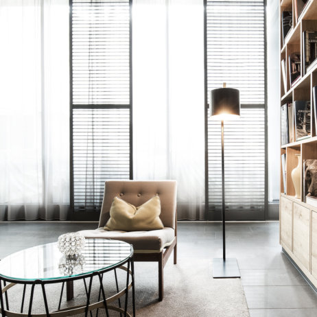 H'Otello Berlin K80 Bibliothek