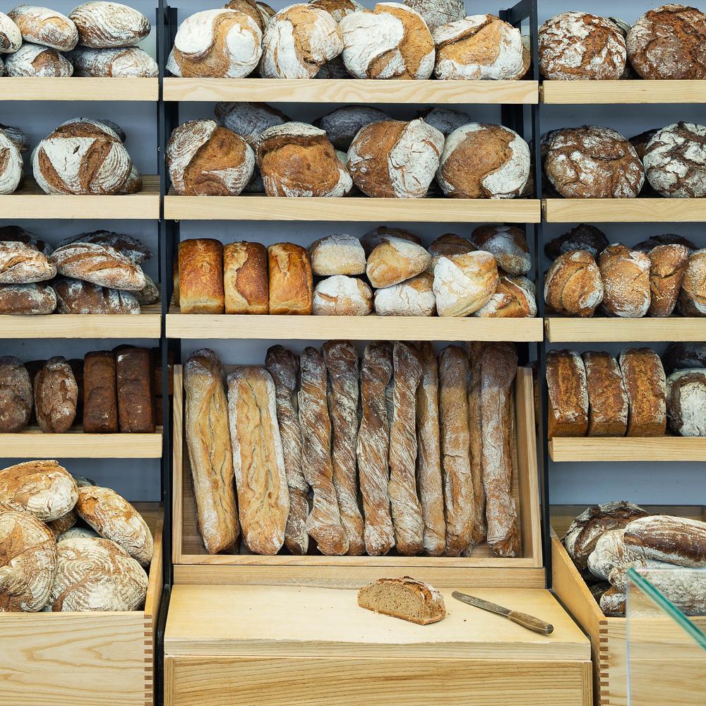 Joseph Brot Bäckerei Wien Regal