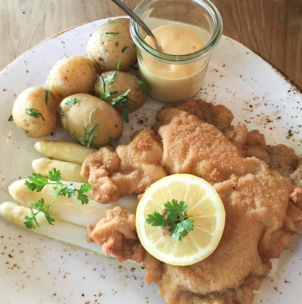 Restaurant 38 Berlin Spargel und Schnitzel