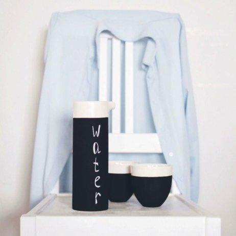 es ce concept München - Wasserkaraffe aus kühlender Keramik von Magisso