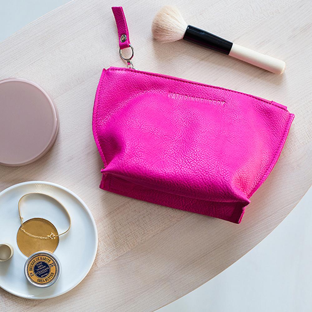 Kathrin Heubeck München - Pinke Kosmetiktasche aus Leder