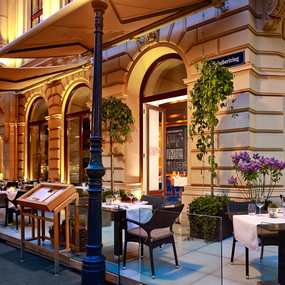 Dstrict Steakhouse im Ritz Carlton Vienna Wien Außenbereich