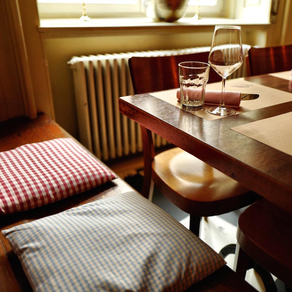 Restaurant Krokodil Zürich Tisch