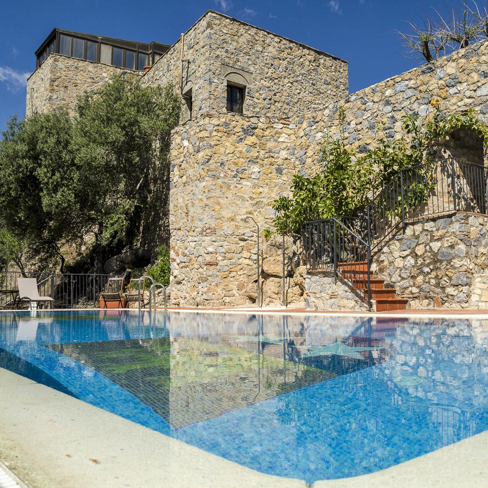 Castillo de Monda Spanien Pool