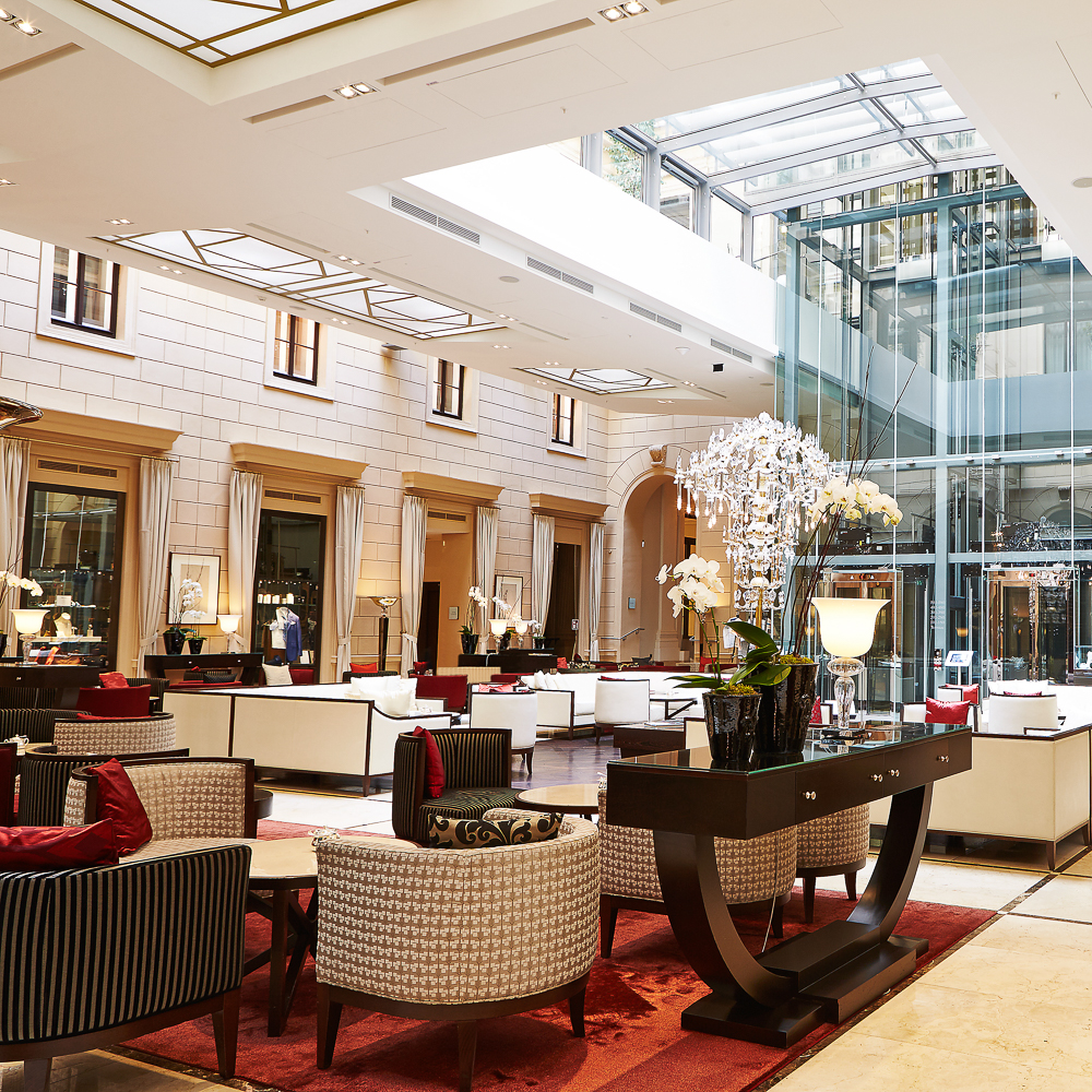 Kempinski Wien Ladies and Gents Tea Interieur