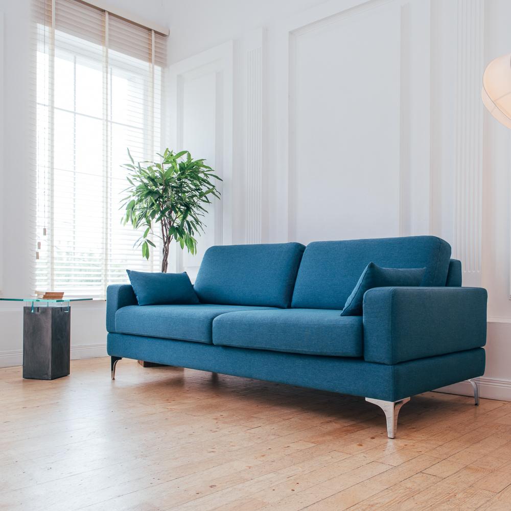 renetti sofas showroom berlin creme guides. Black Bedroom Furniture Sets. Home Design Ideas