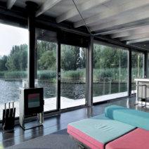 Suite030-Flodd-Black