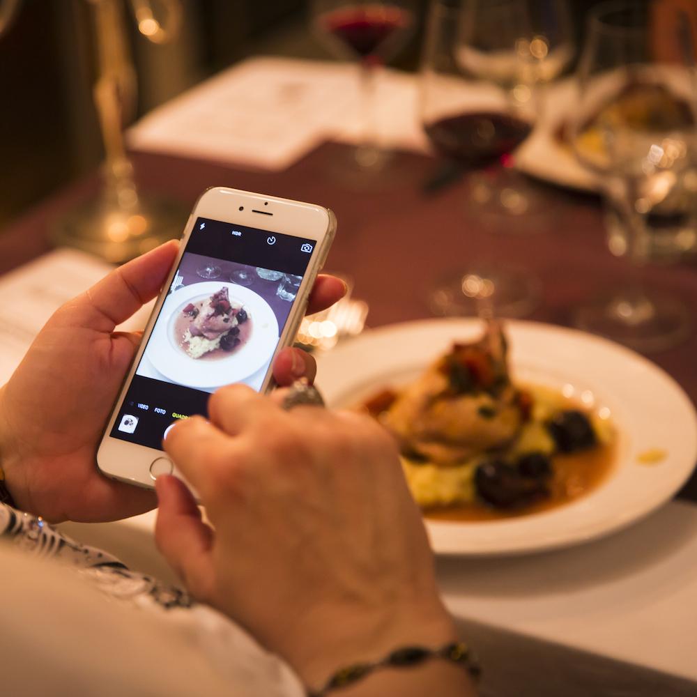 Meatingraum München Westend Coq au Vin für Instagram