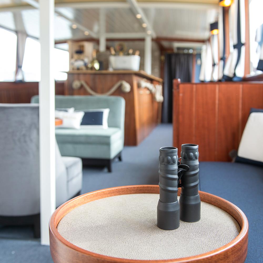 MS Jacob Schiff Hamburg An Bord