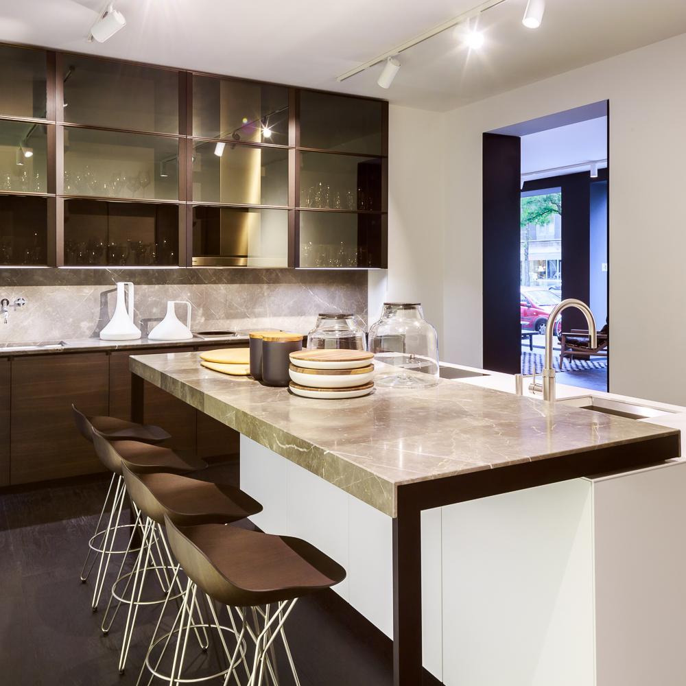 poliform varenna charlottenburg berlin creme guides. Black Bedroom Furniture Sets. Home Design Ideas