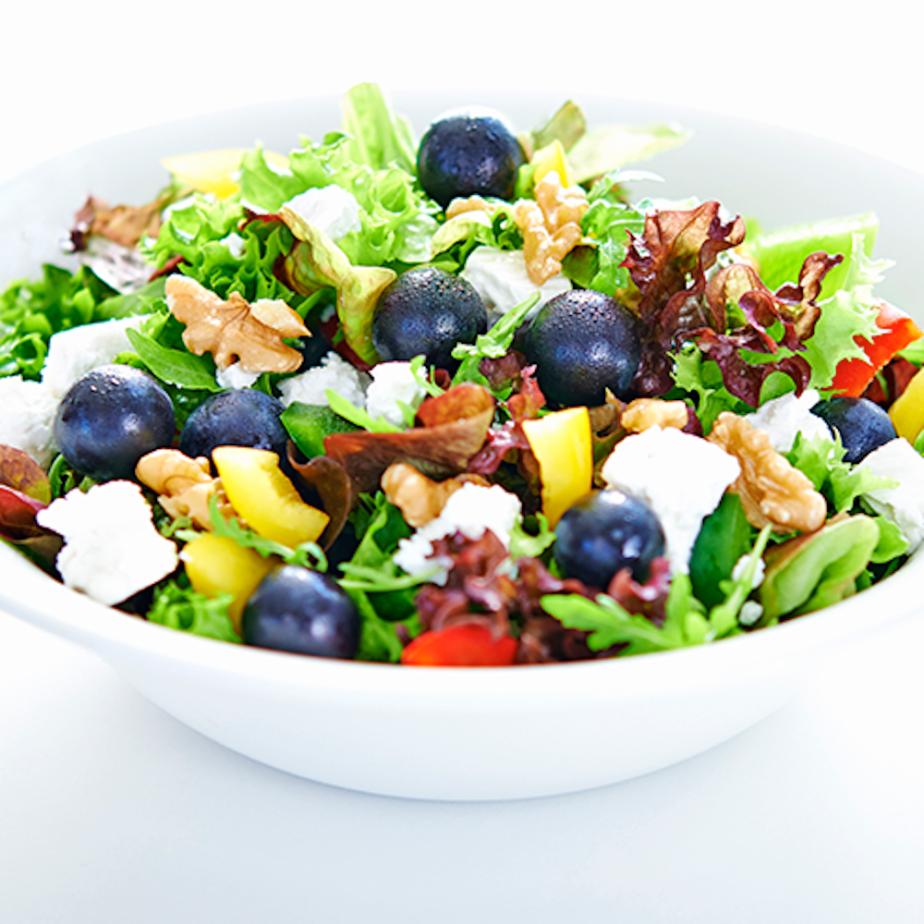 Dean&David - Salat mit Weintrauben und Ziegenkäse