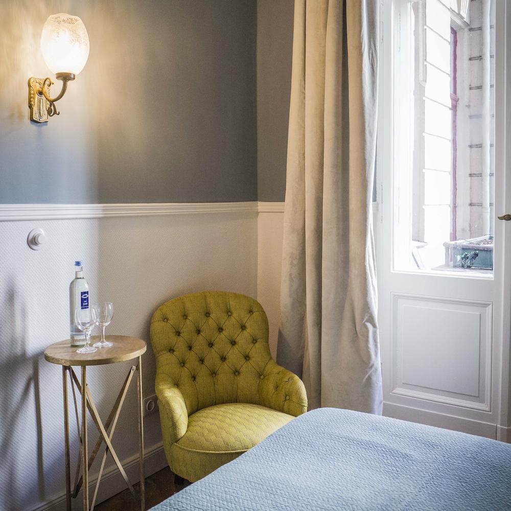 Hotel HENRI Berlin Kabinettzimmer Sessel Gründerzeit
