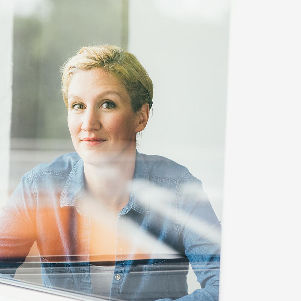 Lotte Ostermann Fotografin Business Portait  Spiegelung