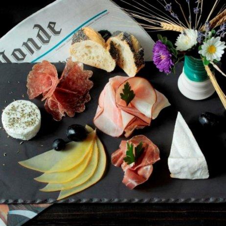 Bonjour Munich Aufschnittplatte französisches Frühstück