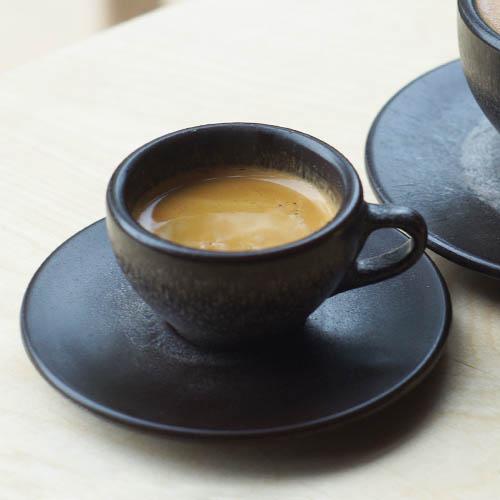 kaffeeform espresso tassen aus kaffeesatz creme guides. Black Bedroom Furniture Sets. Home Design Ideas