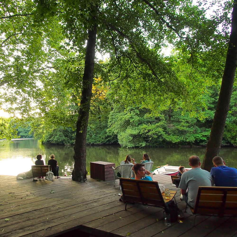 Cafe am neuen See im Tiergarten Berlin