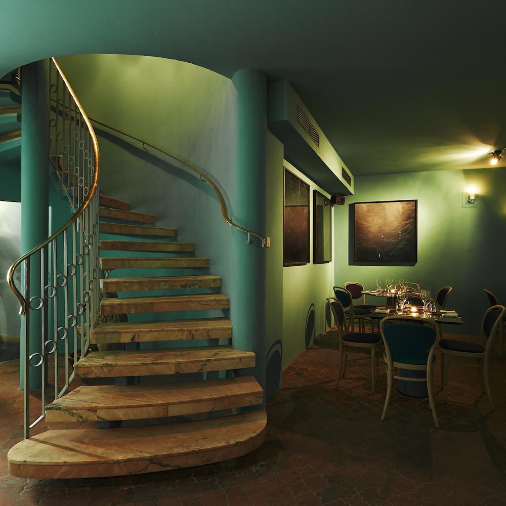 KISMET Restaurant München Treppe zur Kasbah Bar