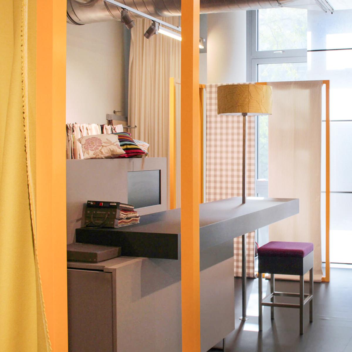 Lars Leppin Vorhang Showroom