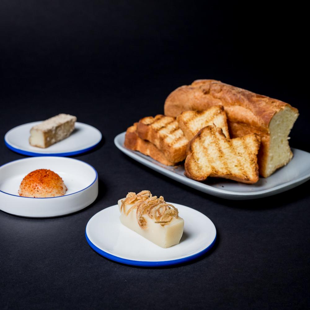 Freistoff 2017 Hausgemachter englischer Toast mit dreierlei Schmalz