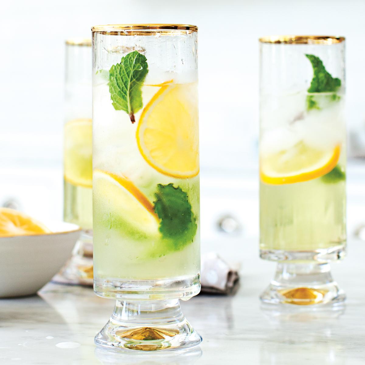 Cocktail mit Minzsirup