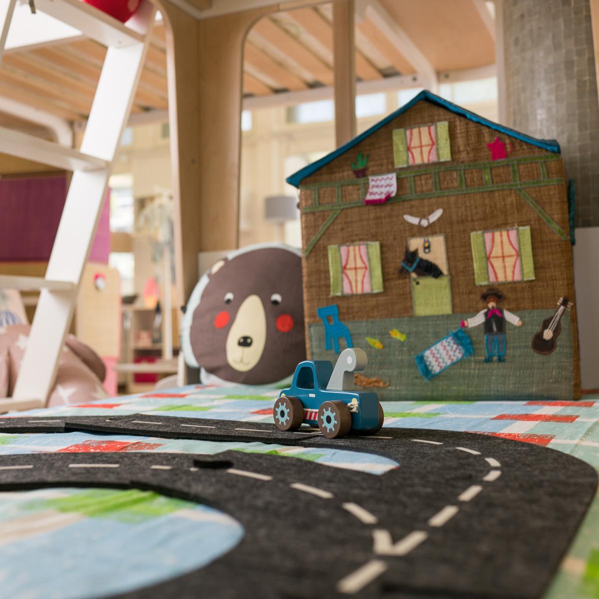 Kindermobel  Snowflake Kindermöbel Concept Store – Trendige Kindermöbel und ...