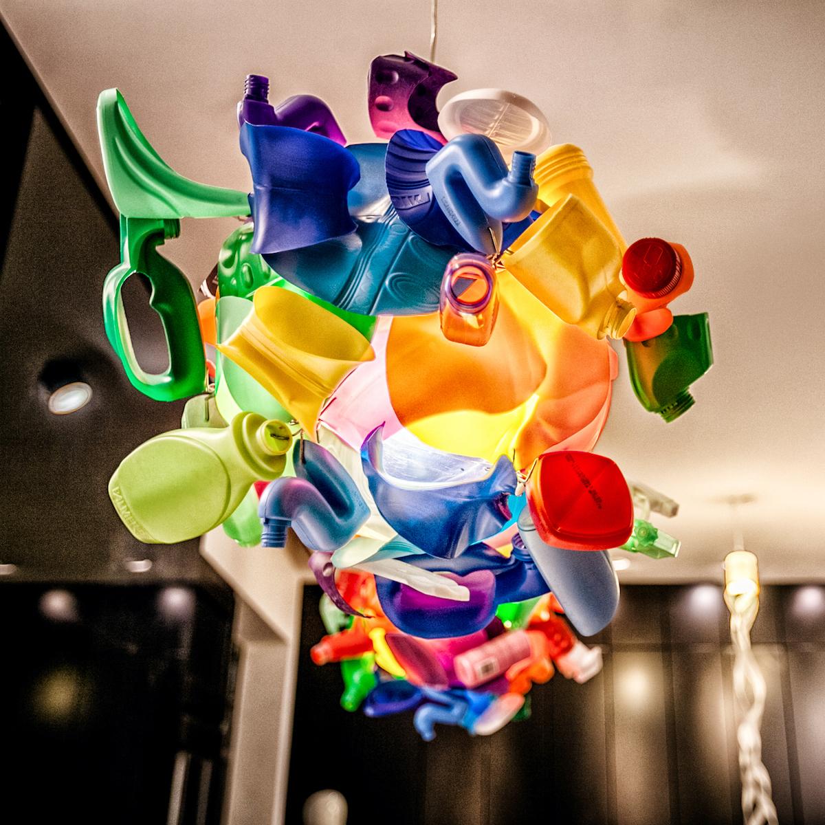 NOH NEE München Lampenskulptur Trash