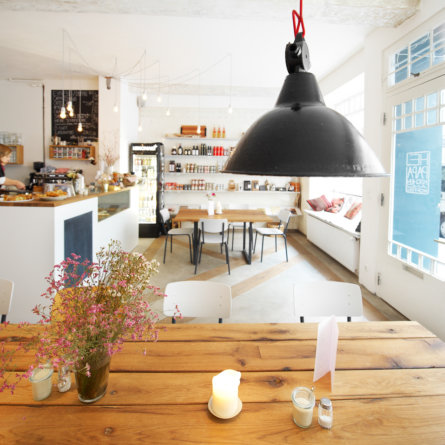 Restaurant Café Hey Papa in der Neustadt 1