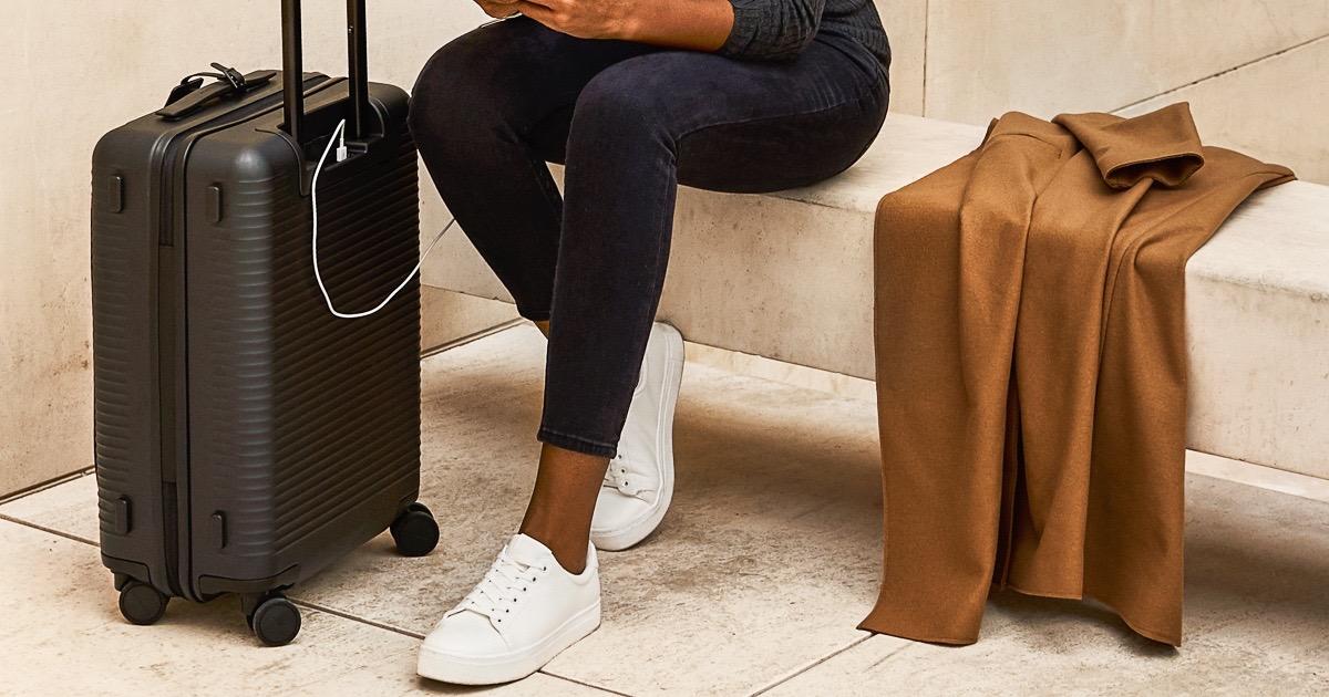 smart luggage von horizn studios in berlin creme guides. Black Bedroom Furniture Sets. Home Design Ideas