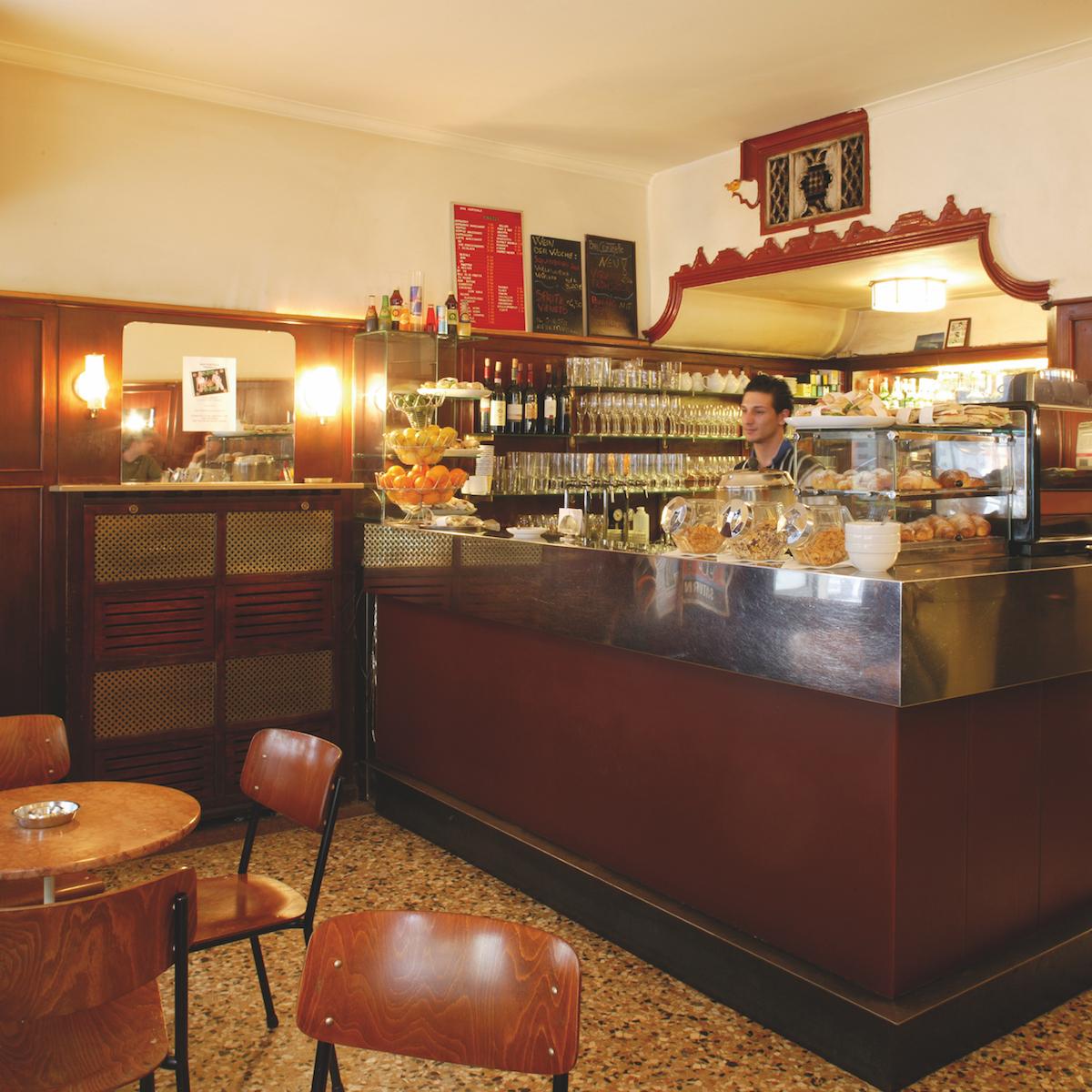 Location Bar Centrale Café in München