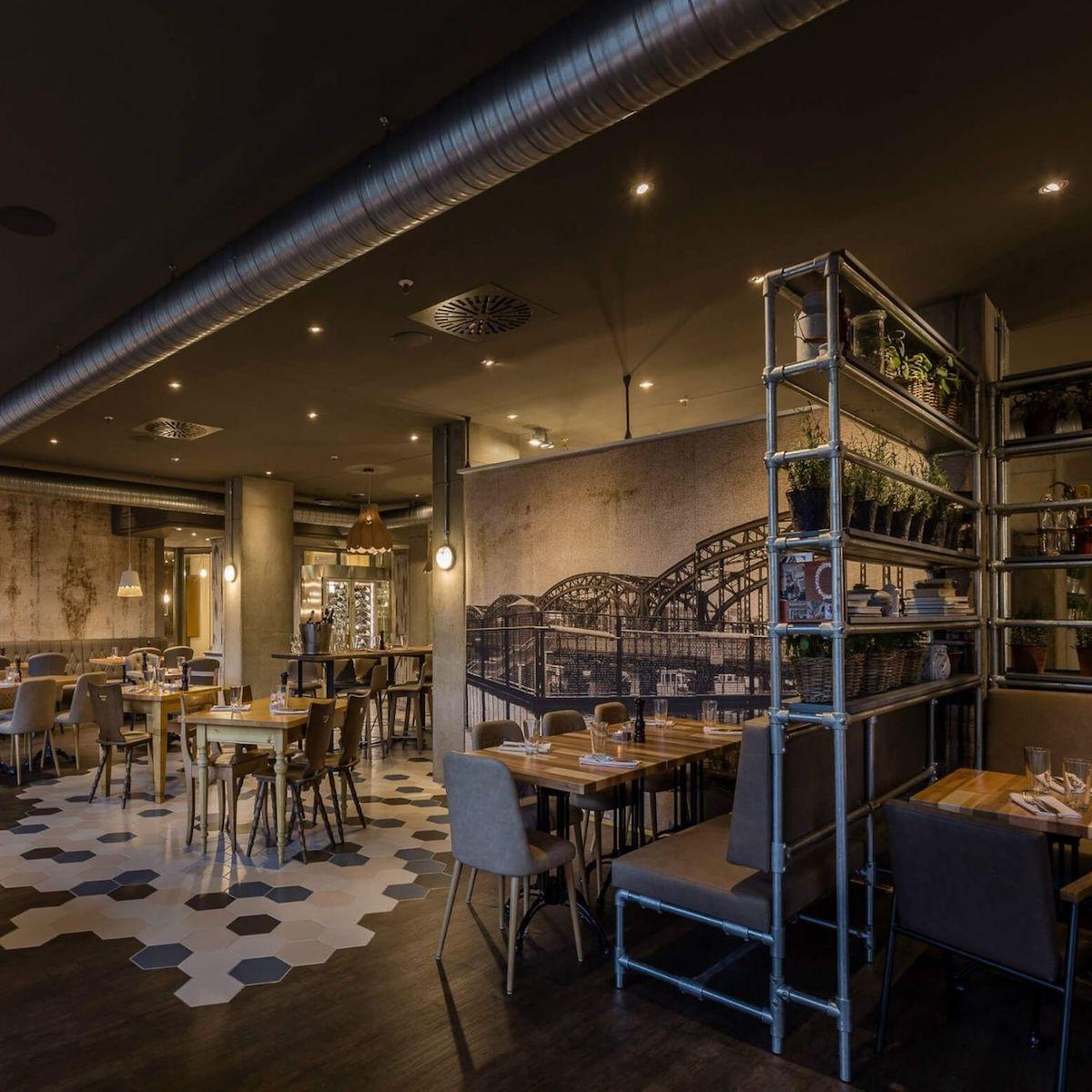 Steak Restaurant Westend Factory München_Industrial Design