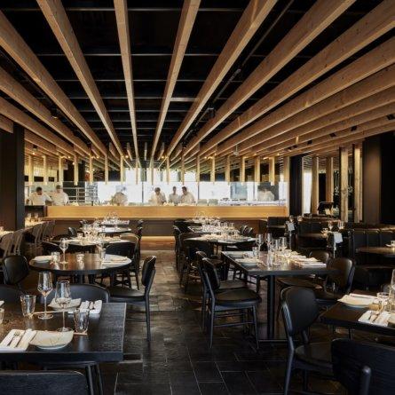 Izakaya Restaurant und Bar München_Offene Küche Sushi Zubereitung
