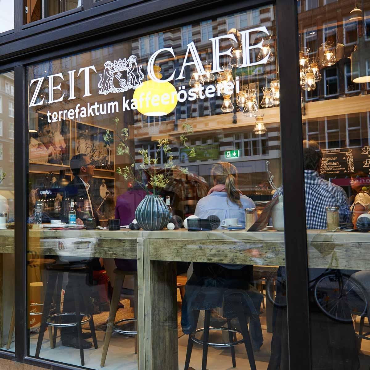 Zeit Café im Helmut-Schmidt-Haus Hamburg-11