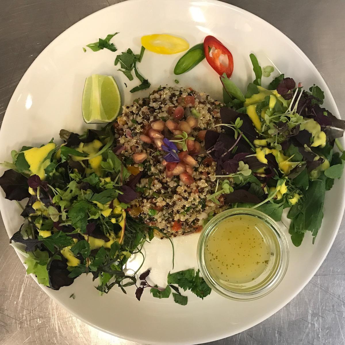Blitz Restaurant München_Quinoa Salat mit Granatapfel