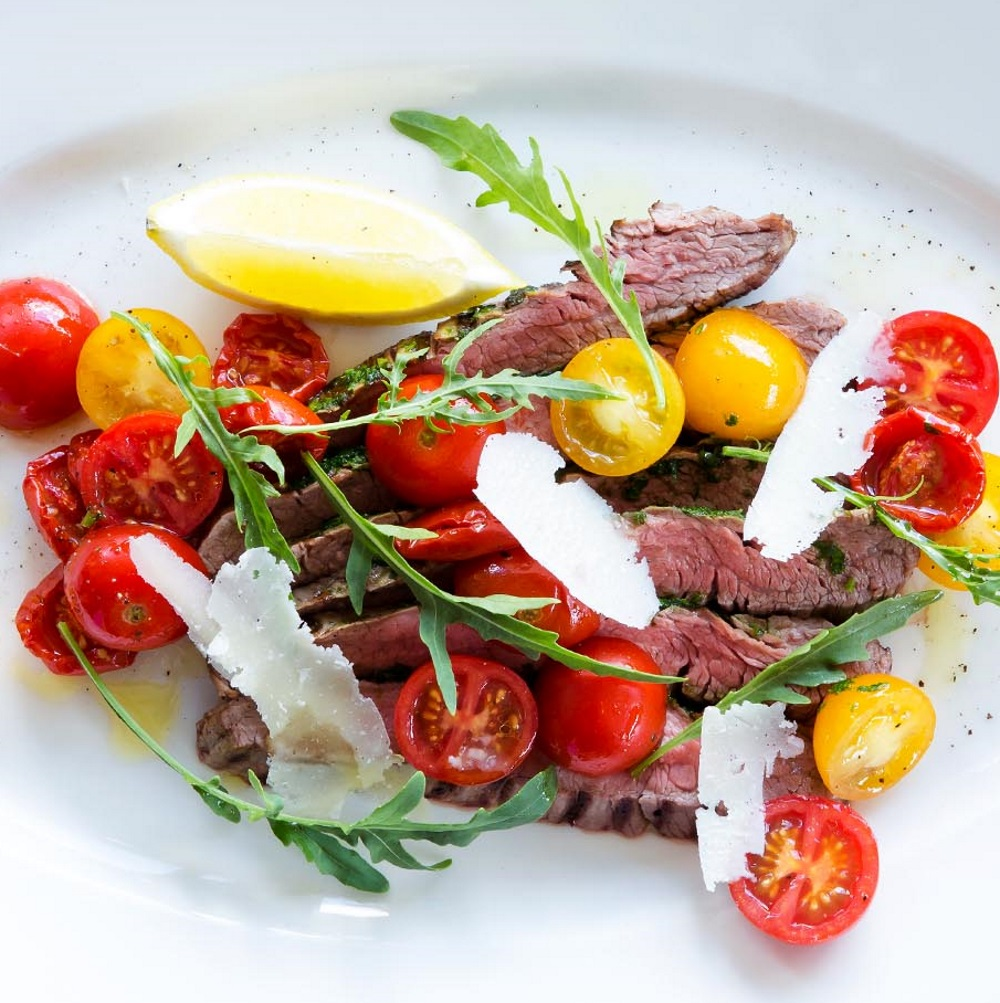 FAMI Restaurant München Entrecote auf Salat