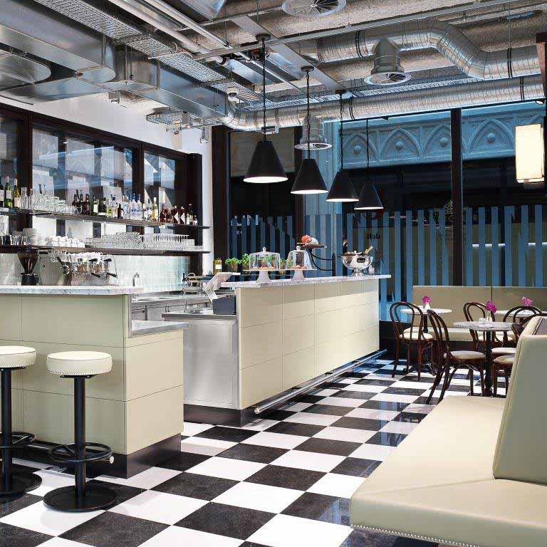 Uzwei Hamburg Fashion Blumen & Café-7