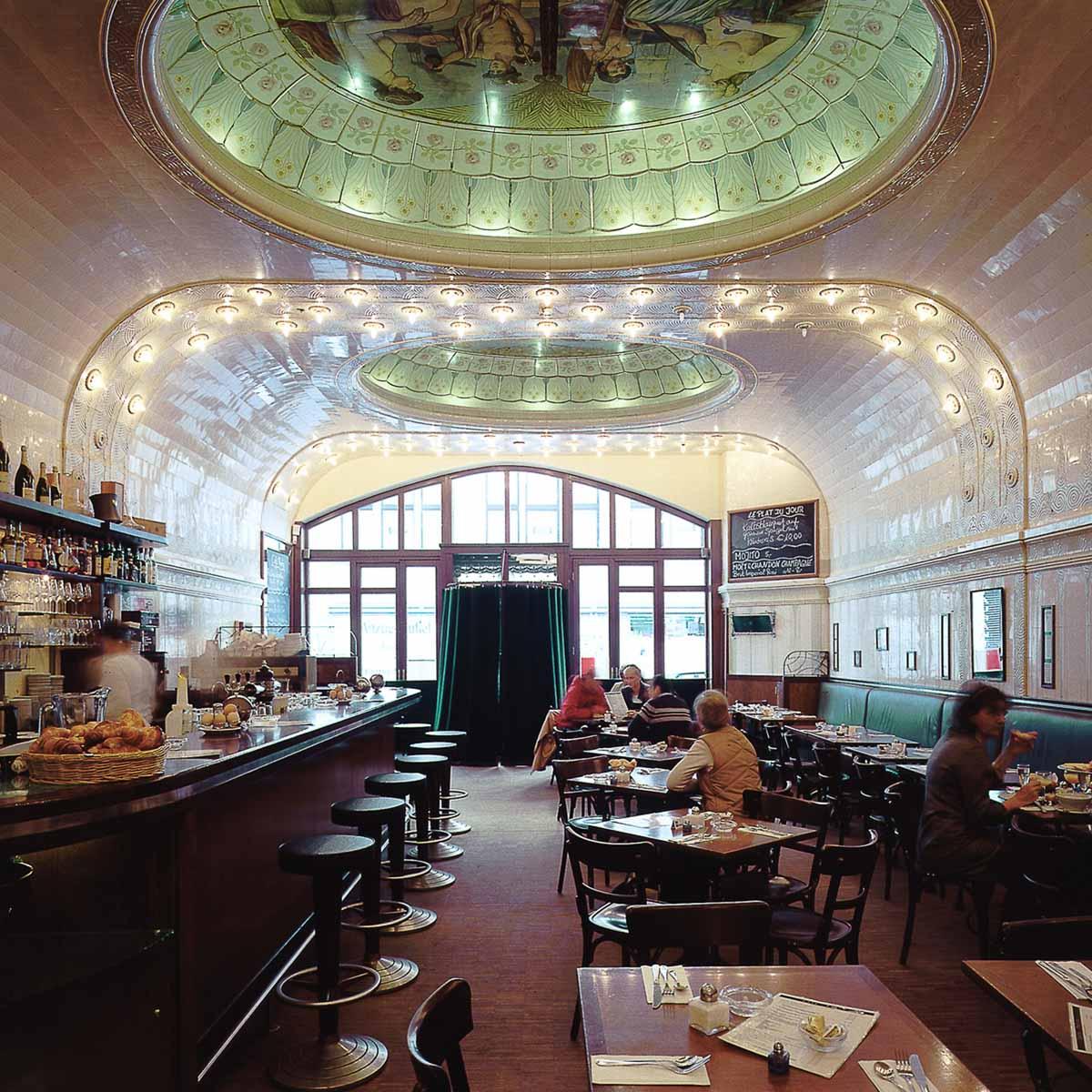 restaurant caf paris in der innenstadt hamburg creme guides. Black Bedroom Furniture Sets. Home Design Ideas