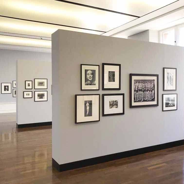 Between Art & Fashion. Die Sammlung Carla Sozanni bei Helmut Newton
