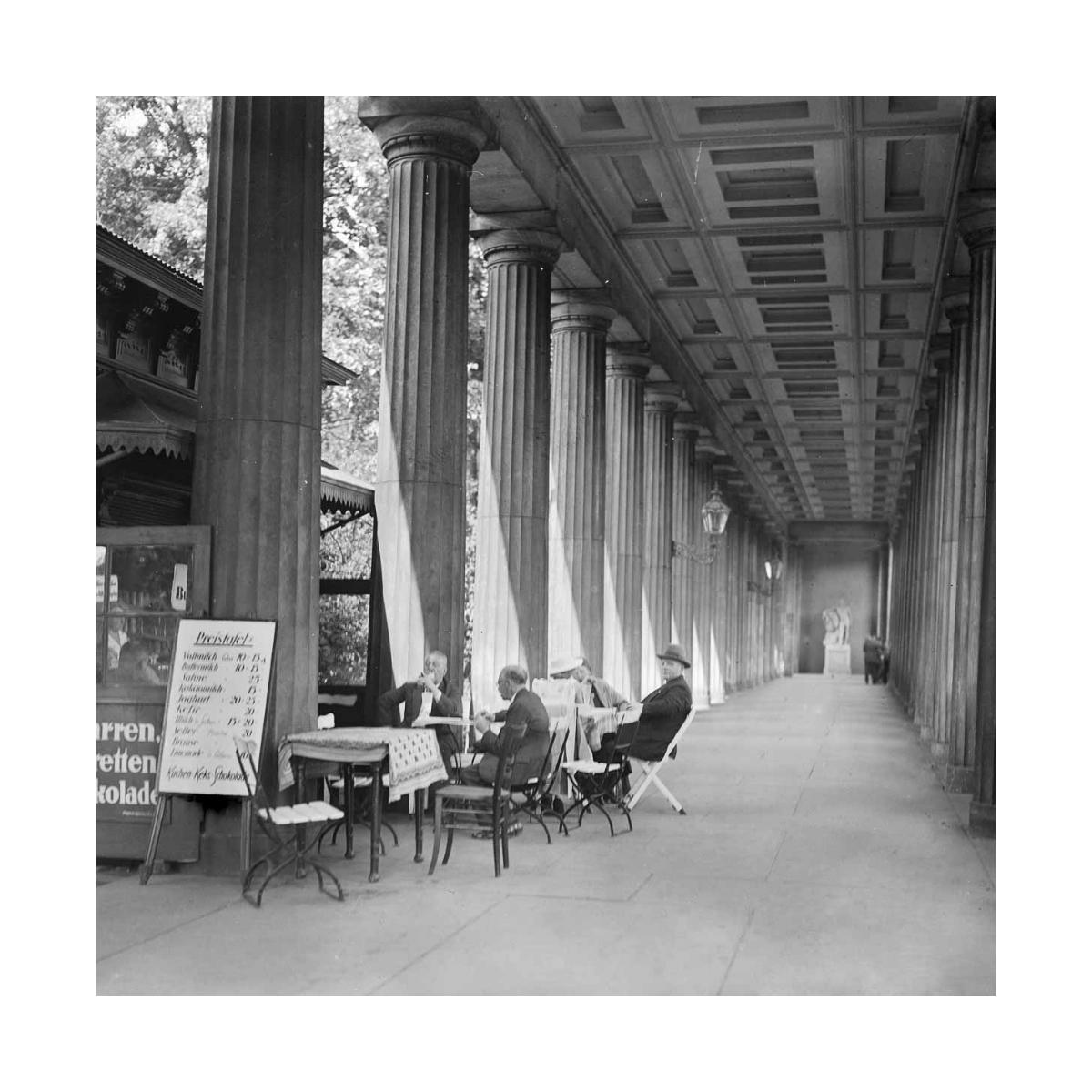 Kolonnadenbar Museumsinsel Berlin um 1900