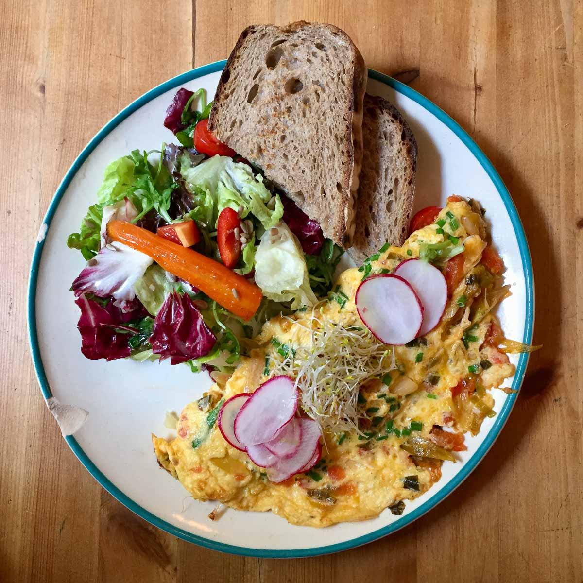 Neumanns Cafe Friedrichshain Omelette