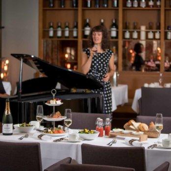 Brinner im Restaurant Duke ©Andreas Schulz