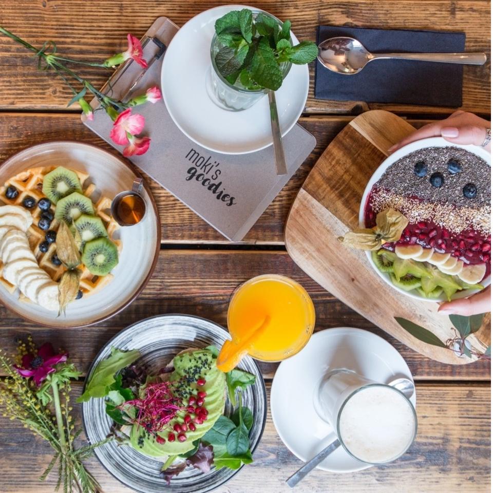 Cafe Mokki S Goodies In Hoheluft Hamburg Creme Guides