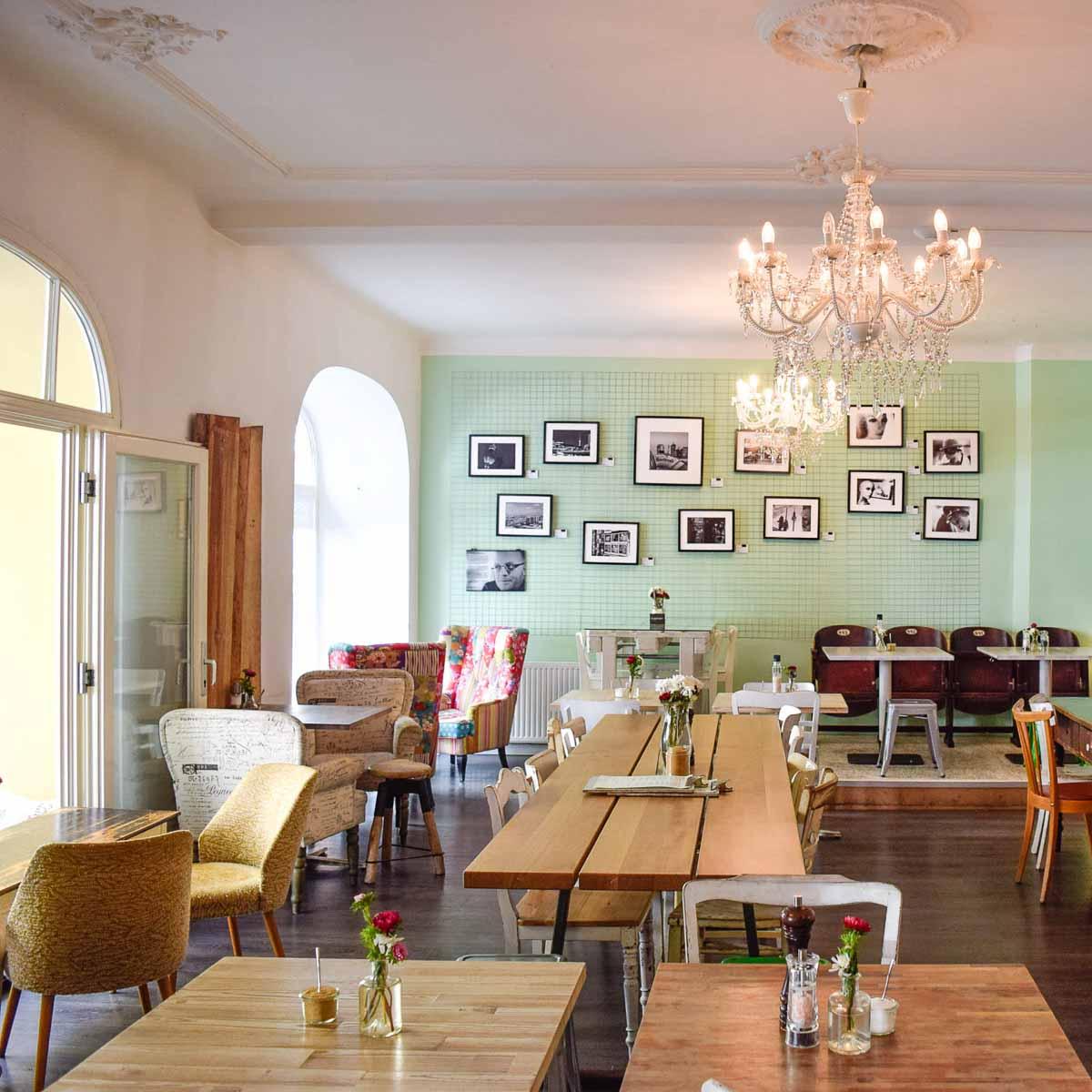 Die Stulle Café für Frühstück Kuchen und Lunch in Berlin Charlottenburg-5