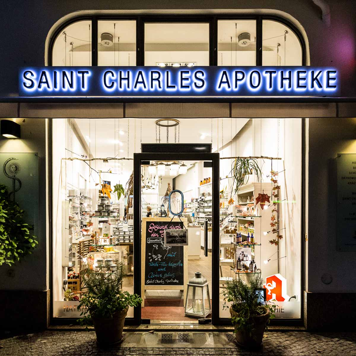 Saint Charles Apotheke Berlin Wilmersdorf 1-2
