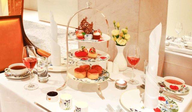 Adlon Sweet victoria tea