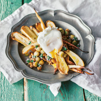 Rezept für Pochierte Eier auf gebackenen Pastinaken